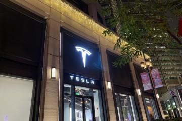 门店挤爆!特斯拉销售员直言Model3不可能再降价